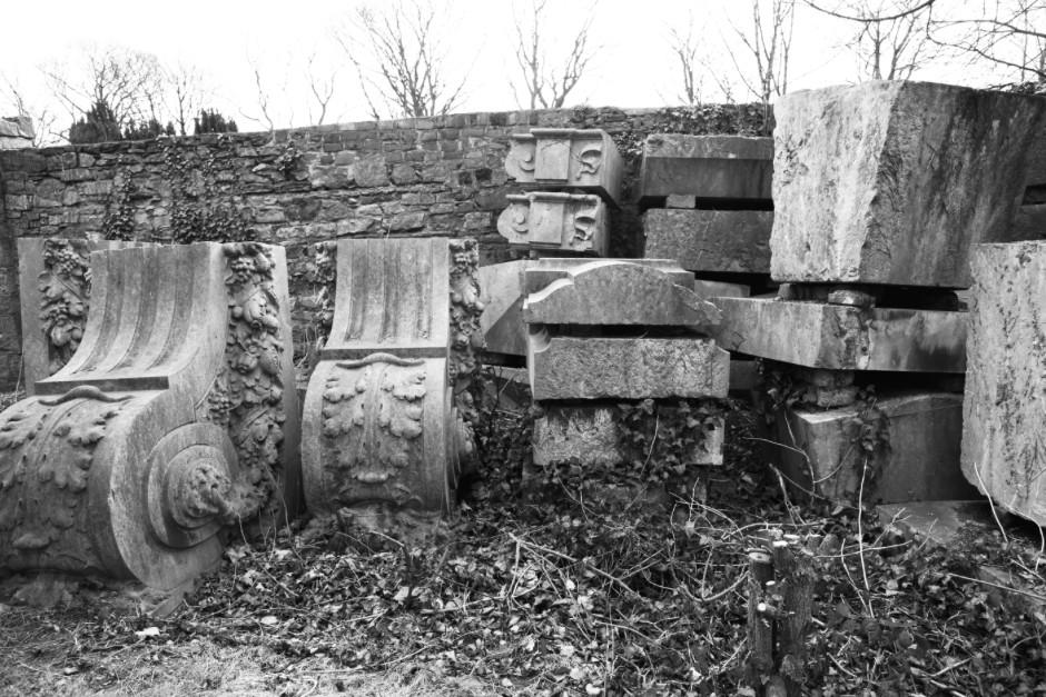 Plinths atRoyal Hospital Kilmainham; Photo: Sínead Hogan. | Art | Memory | Place: Centenaries, What are they good for? | Saturday 24 October  | IMMA