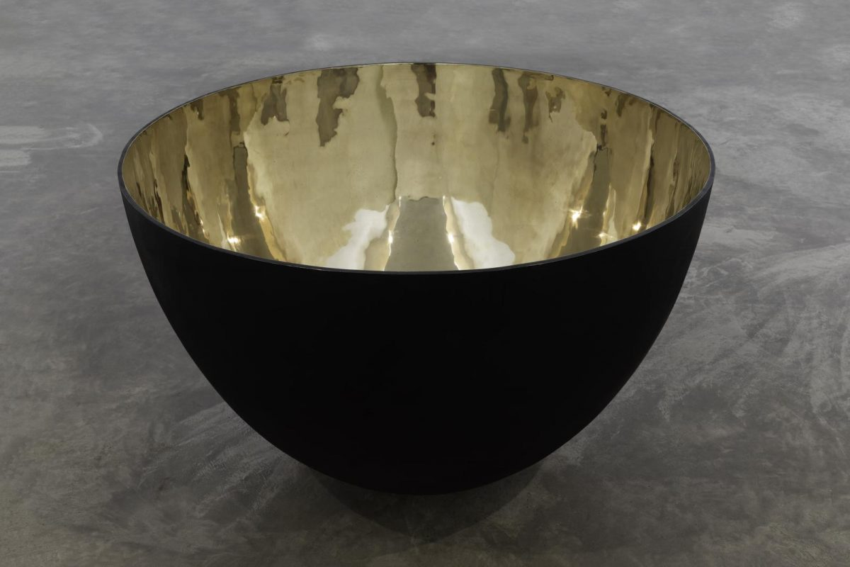 Guggi,Pot I, (detail), 2019, polished bronze and black patina, edition of 3, 81 x 119.5 x 119.5 cm / 31.9 x 47 x 47 in | Guggi: Broken | Friday 13 December 2019  – Friday 17 January 2020 | Kerlin Gallery