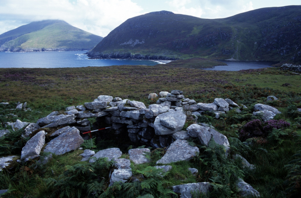 remains-of-booley-hut-annagh-achill-west